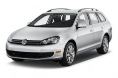 2013 Volkswagen Jetta Sportwagen 4-door DSG TDI Angular Front Exterior View