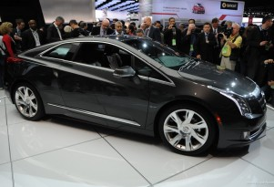 2014 Cadillac ELR revealed at 2013 Detroit Auto Show