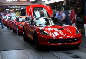 2014 Chevrolet Corvette Stingray production line