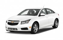 2014 Chevrolet Cruze 4-door Sedan Auto 1LT Angular Front Exterior View