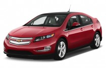 2014 Chevrolet Volt 5dr HB Angular Front Exterior View