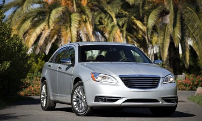 2014 Chrysler 200 Photos