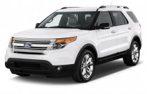 2014 Ford Explorer FWD 4-door XLT Angular Front Exterior View