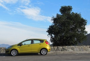 Sharing Savvy: Smart & Ford Discuss Fuel-Efficient Three-Cylinder Engines