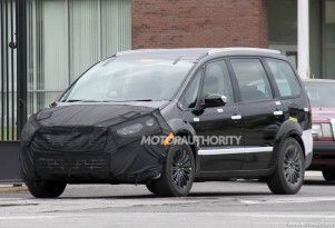 2014 Ford S-Max spy shots