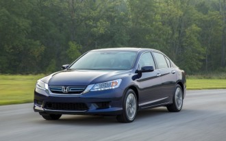 2014 Honda Accord Hybrid: Reviewed On Video