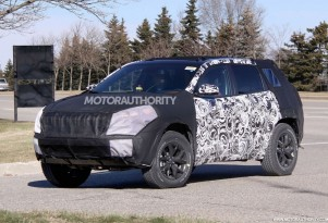 2014 Jeep Liberty spy shots