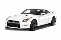 2014 Nissan GT-R 2-door Coupe Premium Angular Front Exterior View