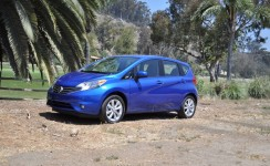 2014 Nissan Versa Photos
