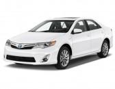 2014 Toyota Camry Hybrid 4-door Sedan XLE (Natl) Angular Front Exterior View