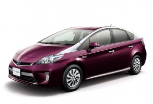 2014 Toyota Prius Plug-In Hybrid Gets Facelift--In Japan