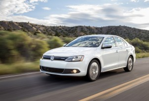 2013-2014 Volkswagen Jetta Hybrid, 2009-2011 Tiguan Recalled For Powertrain & Electrical Flaws