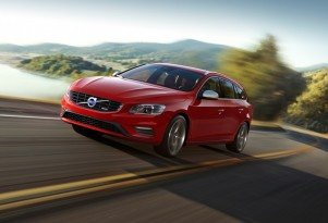 2014 Volvo V60 R-Design - image: Volvo