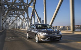 2015 Chrysler 200 Video Road Test