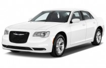 2015 Chrysler 300 4-door Sedan Limited RWD Angular Front Exterior View