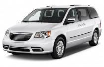 2015 Chrysler Town & Country 4-door Wagon Limited Platinum Angular Front Exterior View