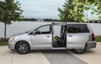 Chrysler Plug-In Hybrid Minivan Will Launch Late Next Year, Company Says
