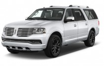 2015 Lincoln Navigator L 4WD 4-door Angular Front Exterior View