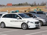 2015 Mercedes-Benz B-Class facelift spy shots