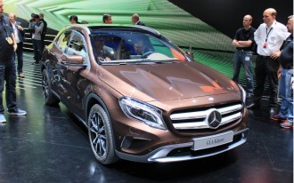 2015 Mercedes GLA, Gas Mileage A Top Priority, Fan Sues Ferrari: What's New @ The Car Connection