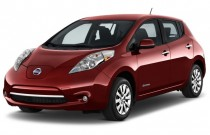 2015 Nissan Leaf 4-door HB S Angular Front Exterior View