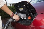 Feds Should Boost Electric-Car Incentives: Harry Reid, Nevada Senato