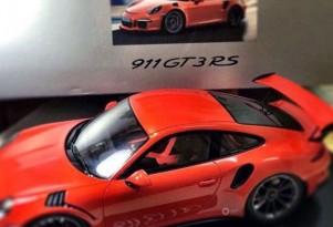 2015 Porsche 911 GT3 RS scale model (Image via Autogespot)