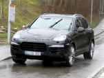 2015 Porsche Cayenne facelift spy shots