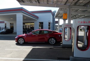 The Car Connection's Best Electric Cars To Buy 2015