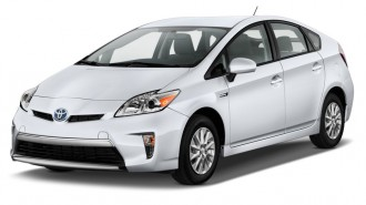 2015 Toyota Prius Plug In 5dr HB (Natl) Angular Front Exterior View