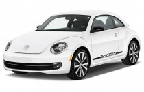 2015 Volkswagen Beetle Coupe 2-door Man 1.8T Angular Front Exterior View