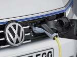 2015 Volkswagen Passat GTE (European spec)