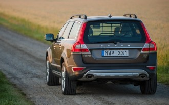2015 Volvo XC70, Fiat's Five-Year Plan, MonkeyParking App: What's New @ The Car Connection