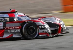 2016 Audi R18 LMP1 race car