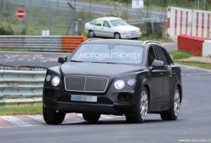 2017 Bentley Bentayga spy shots - Image via S. Baldauf/SB-Medien