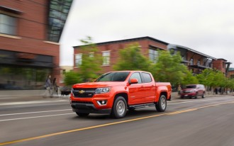 2017 Chevrolet Colorado vs. 2017 Nissan Frontier: Compare Trucks