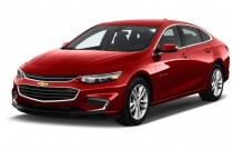 2016 Chevrolet Malibu 4-door Sedan LT w/1LT Angular Front Exterior View