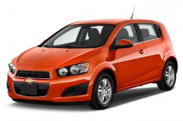 2016 Chevrolet Sonic 5dr HB Auto LT Angular Front Exterior View