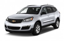2016 Chevrolet Traverse FWD 4-door LS w/1LS Angular Front Exterior View
