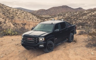 2016 GMC Sierra All Terrain X: A Stylish, Monochromatic, Off-Roading Option