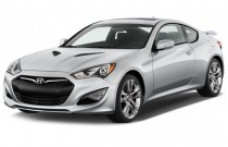 2016 Hyundai Genesis Coupe 2-door 3.8L Auto Base w/Black Seats Angular Front Exterior View