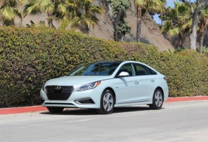 Green Car Reports 2016 Best Car To Buy Nominee: 2016 Hyundai Sonata Hybrid And Plug-In Hybrid