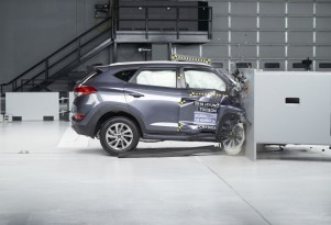 Some small SUVs may stint front passengers on safety: IIHS