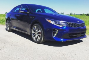2016 Kia Optima video road test