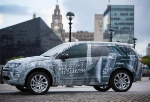 2015 Land Rover Discovery Sport teaser