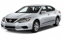 2016 Nissan Altima 4-door Sedan I4 2.5 S Angular Front Exterior View