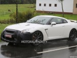 2016 Nissan GT-R facelift spy shots
