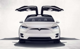 Tesla misses targets, cuts prices, testifies to Congress, keeps Autopilot: is this the masterplan?
