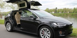 Green Car Reports' 2017 Best Car To Buy nominee: Tesla Model X