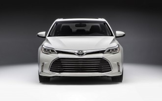 2016 Toyota Camry, Avalon recalled for safety system glitch